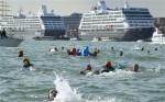 Protest tegen cruiseschepen